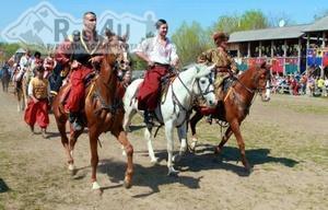Києв запрошує на міжнародний фестиваль кінно-трюкового мистецтва Кентаври 2014