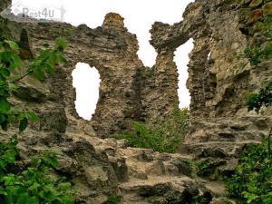 У Закарпатті руйнується замок Тамплієрів