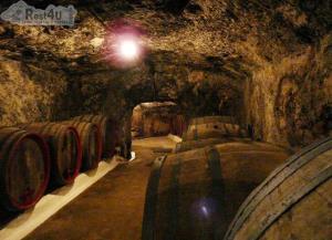 Винный погреб «Мастерской вина №1» приглашает в Мужиево на дегустицию вина