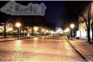 З 23 по 25 травня на найвідомішій вулиці Одеси - Дерибасівській проходитиме III Одеський туристичний фестиваль. Він продемонстру